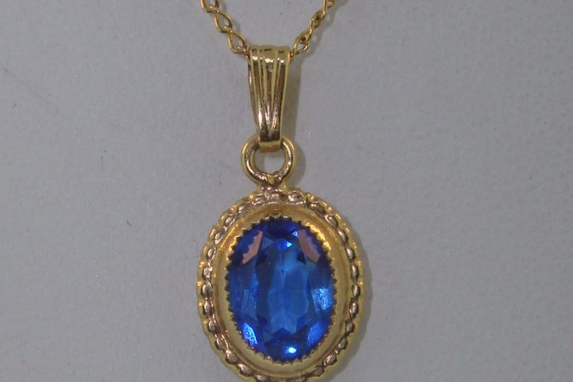 Relatively BEAUTIFUL VINTAGE GOLD FILLED 1/2 CT FAUX SAPPHIRE PENDANT  AQ48