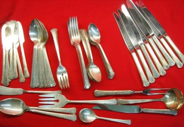 EXC Vintage 1847 ROGERS silverplate SET 4 GUMBO SOUP SPOONS DAFFODIL pattern