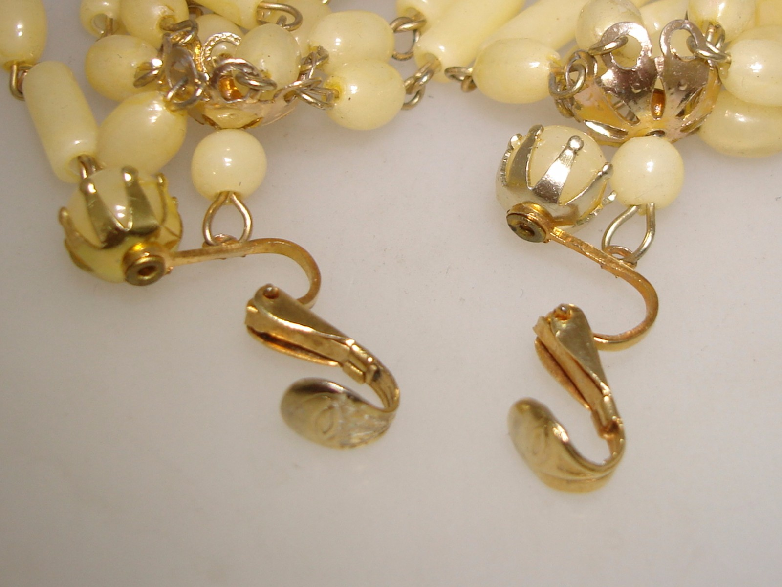 vintage hong kong lucite dangle chandelier earrings