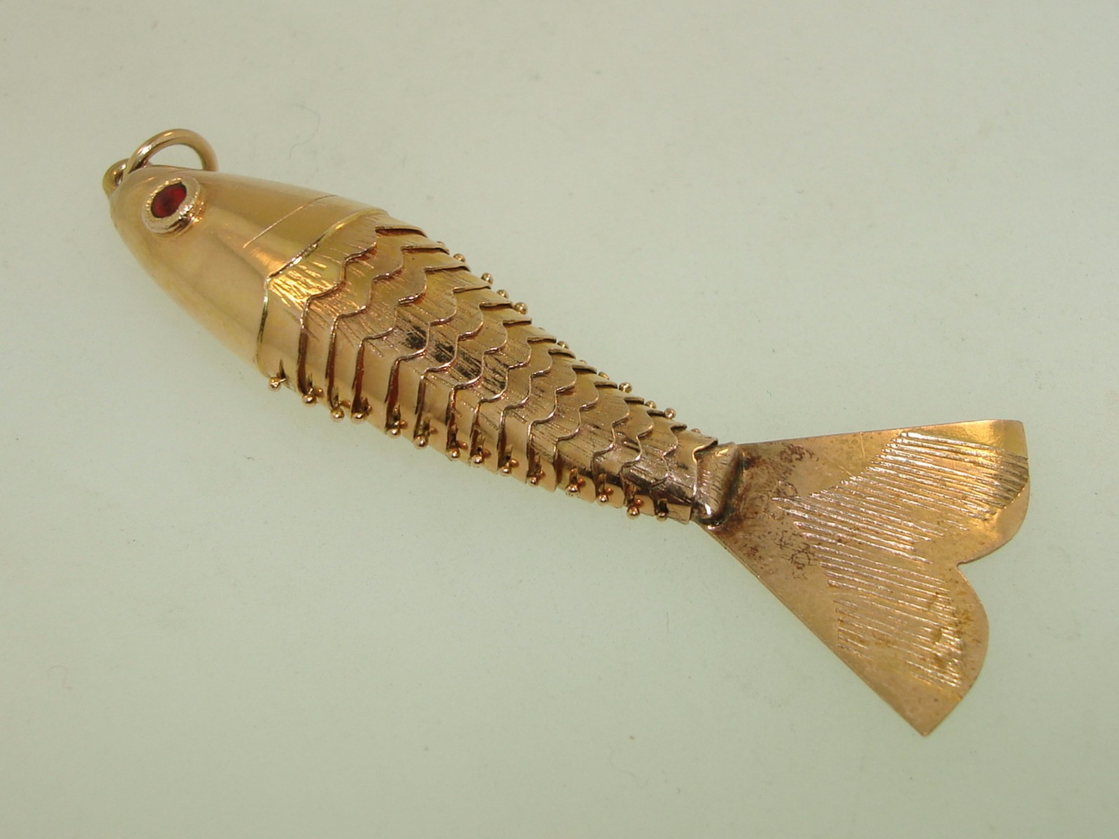 Amazing 18kt Solid Gold Articulated Fish Enamel Eyes