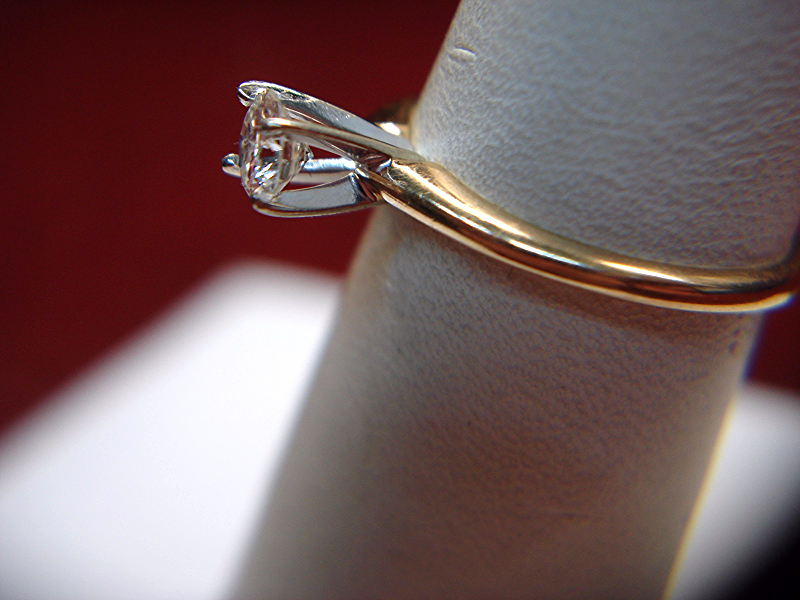 14K YELLOW GOLD 1/3 CT DIAMOND SOLITAIRE ENGAGEMENT RING